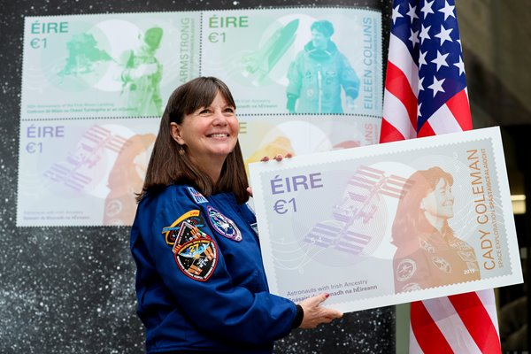 NO-FEE-ANPOST-UNVEIL-SPACE-STAMPS-MX-2.jpg